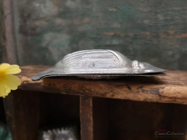 Alte Maikäfer Schokoladenform ~ 7,5 cm ~ may beetle chocolat mold ~ vintage cottage decoration ~ hw3112-36