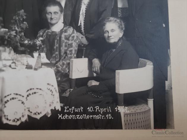 Antikes Familienfoto ~ Sepia Foto ~ Original-Foto ~ Gruppenfoto ~ Vintage Fotografie ~ Erinnerungsfoto ~ Kommunionsfeier
