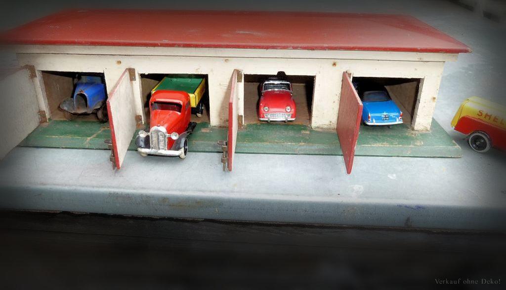 Alte spielzeug garage