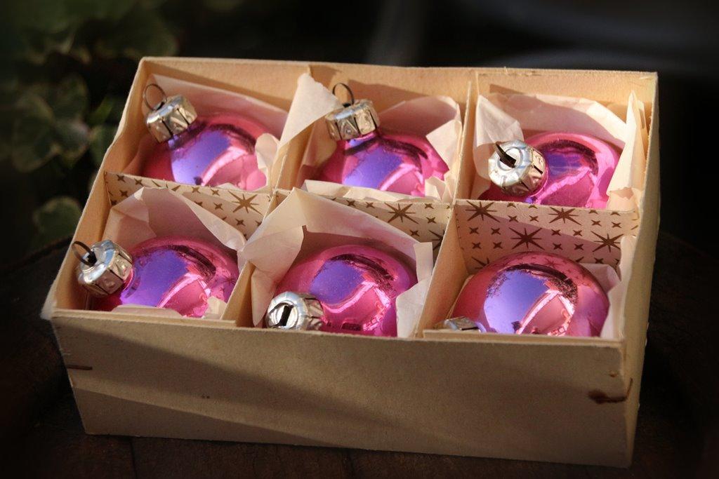Rosa baumschmuck christbaumschmuck vintage for Pinke weihnachtskugeln