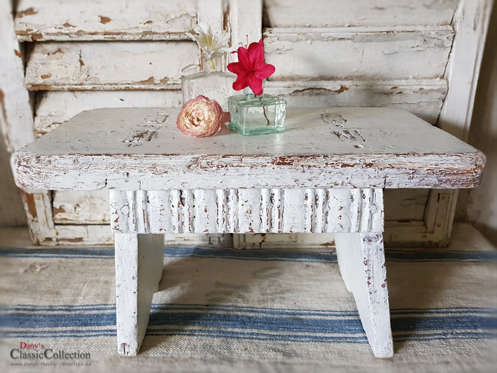 stabiler hocker shabby wei tritt beistelltisch vintage shabby chic. Black Bedroom Furniture Sets. Home Design Ideas