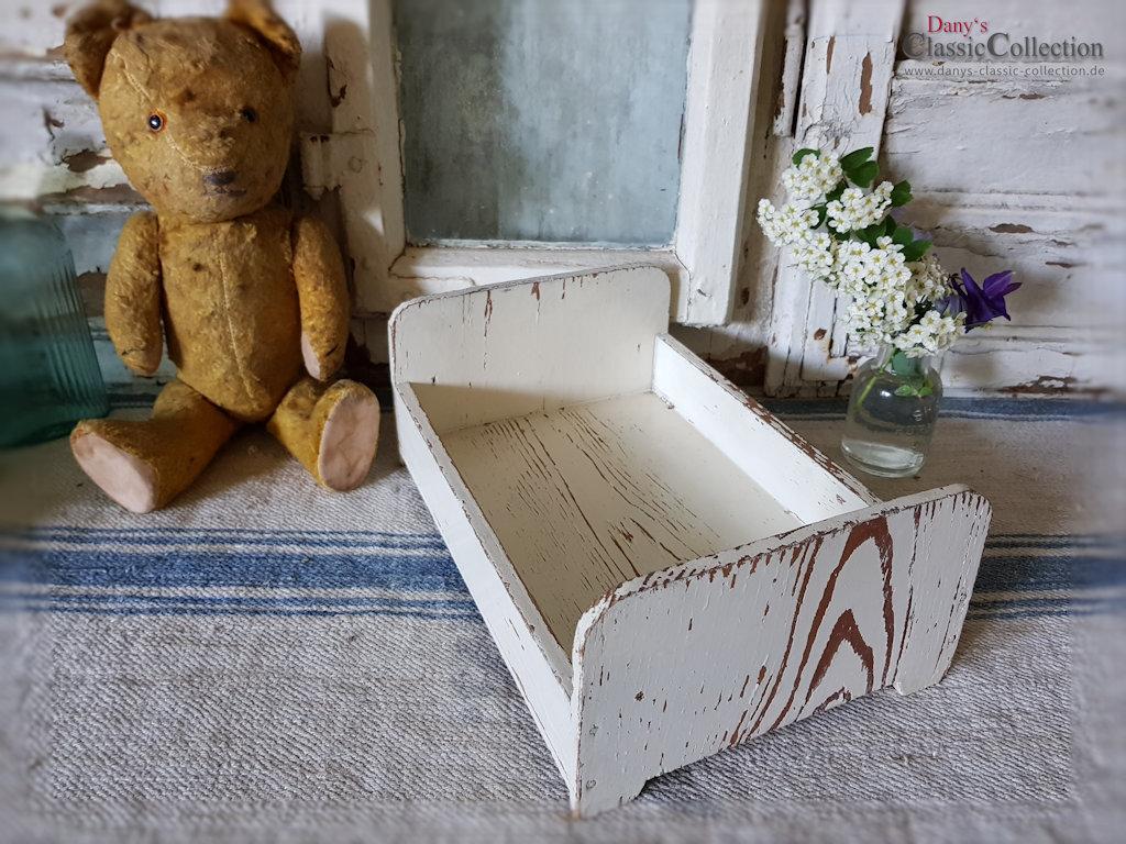 puppenbettchen originallack antikes bettchen holzbettchen cremeweiss shabby chic. Black Bedroom Furniture Sets. Home Design Ideas